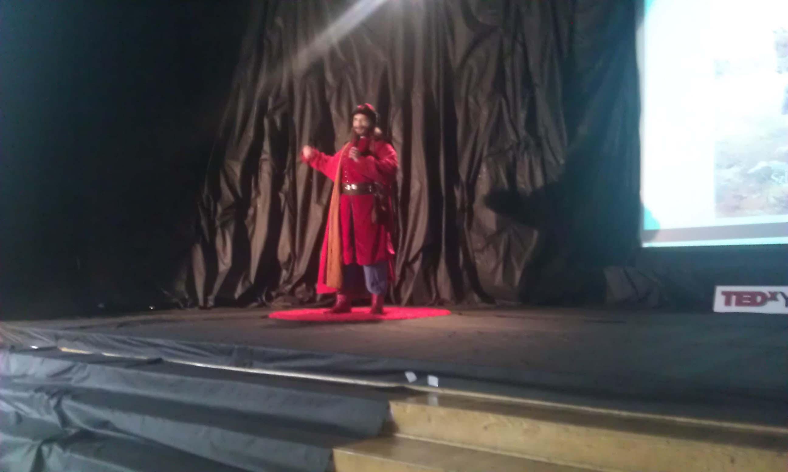 TEDxYouth@Kraków - prezentacja oedukacji zapomocą LARPów