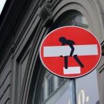 street art we włoszech - Clet- Ja mówię TO http://jamowie.to